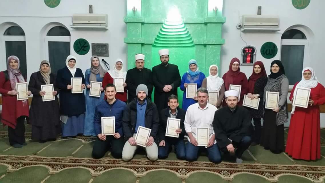 Promovisano 15 novih učača Kur'ana u džematu Seljublje (MIZ Kalesija)