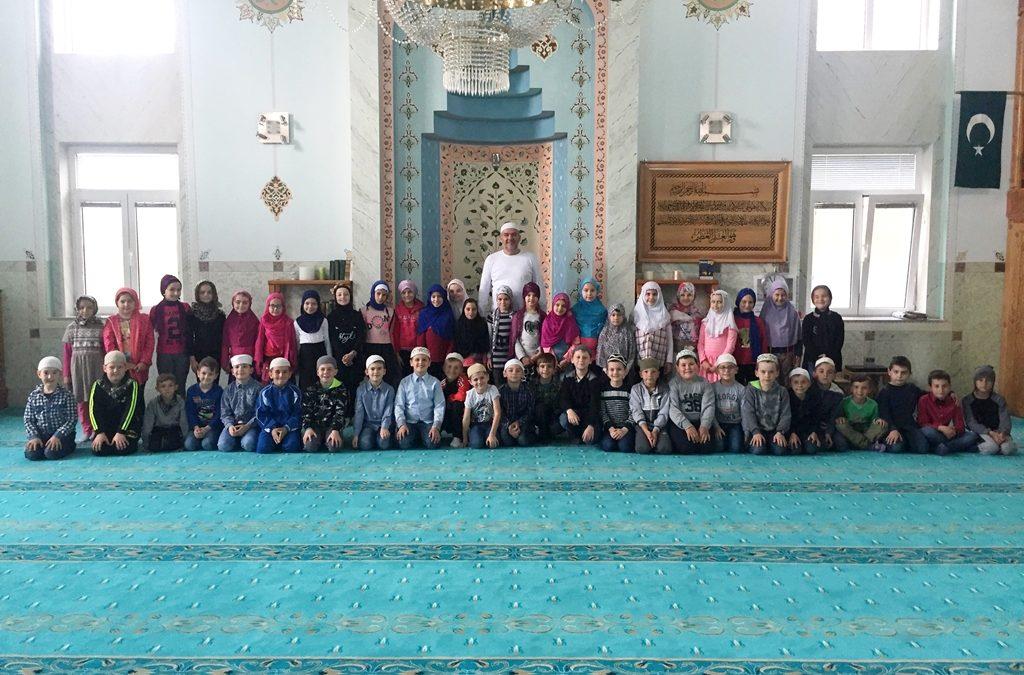 Osnovci posjetili Džedid džamiju u Janji