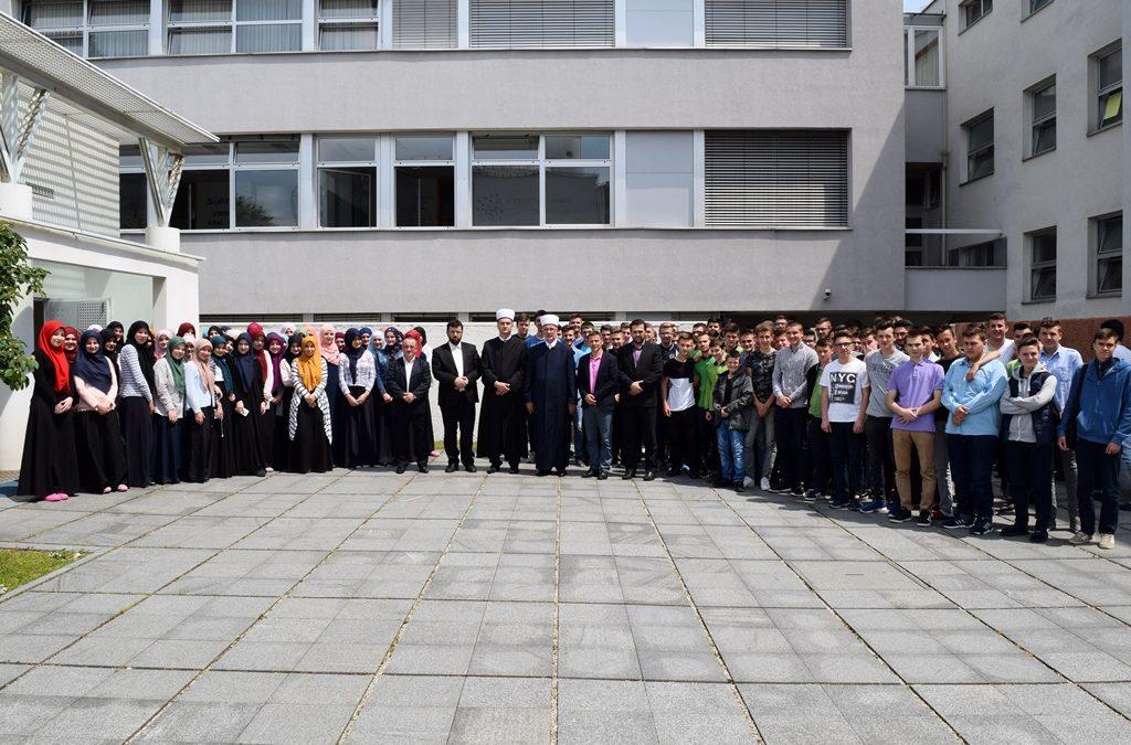 Susret muftije Fazlovića s profesorima i učenicima Behram-begove medrese