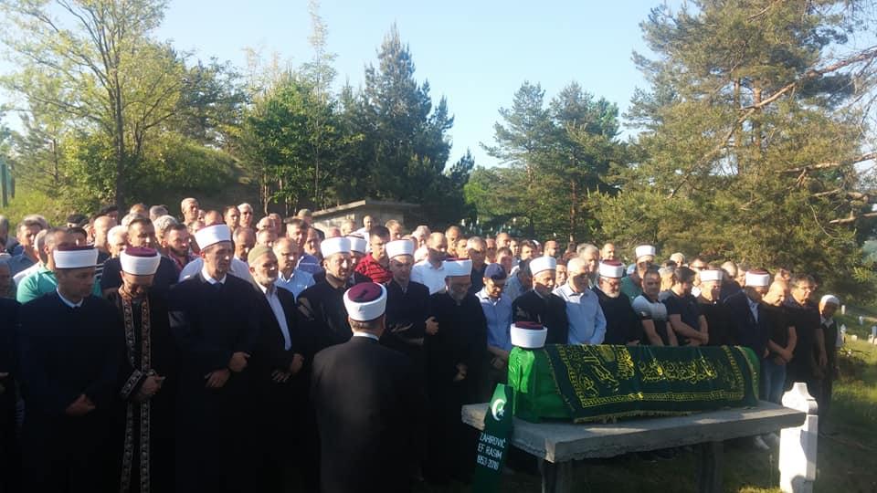 Klanjana dženaza prof. Rasim-ef. Zahiroviću