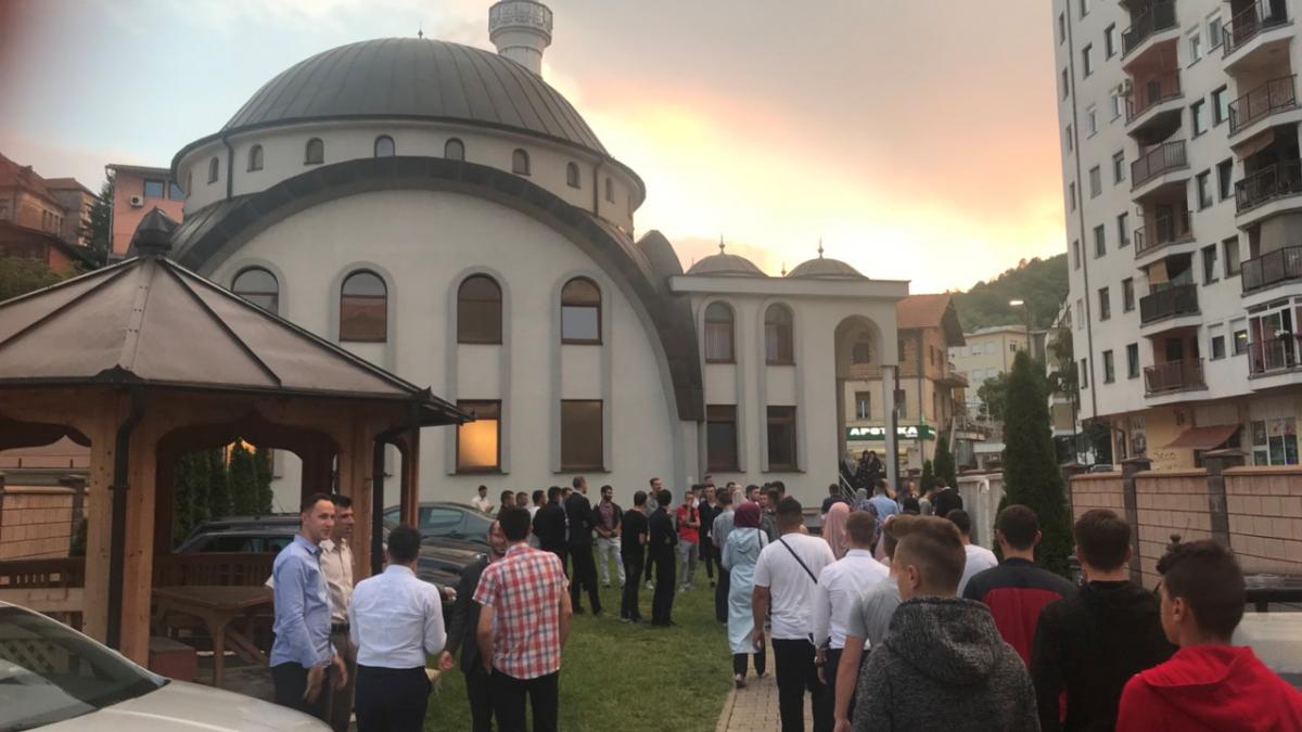 Iftar za 200 članova Mreže mladih Muftijstva tuzlanskog u Zvorniku