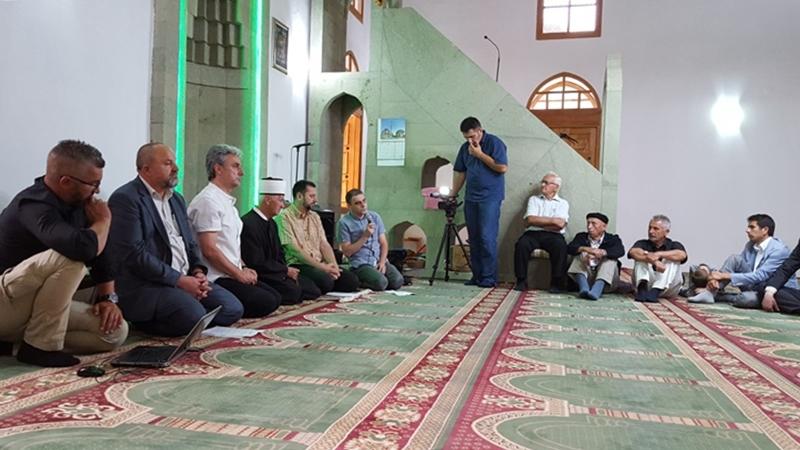 Razgovor o Isnamu Taljiću u Novoj Kasabi