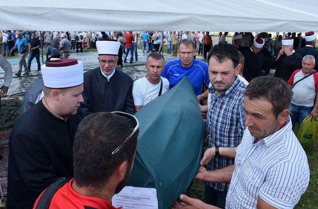 Na zvorničkom šehidskom mezarju u Gornjoj Kalesiji klanjana dženaza šehidu Omeru Subašiću