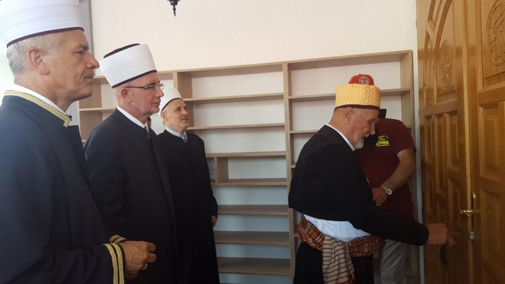 Svečano otvorena džamija u gradačačkom džematu Srnice Donje