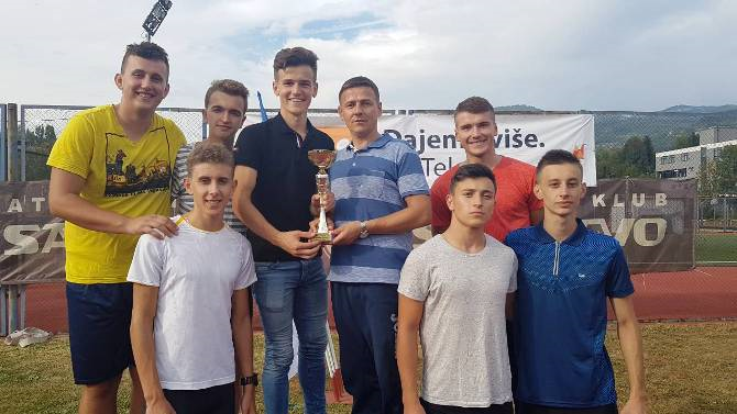 Učenici Behram-begove medrese državni viceprvaci u atletici
