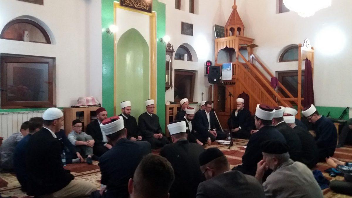Večer Kur'ana u tuzlanskoj Vikaljskoj džamiji
