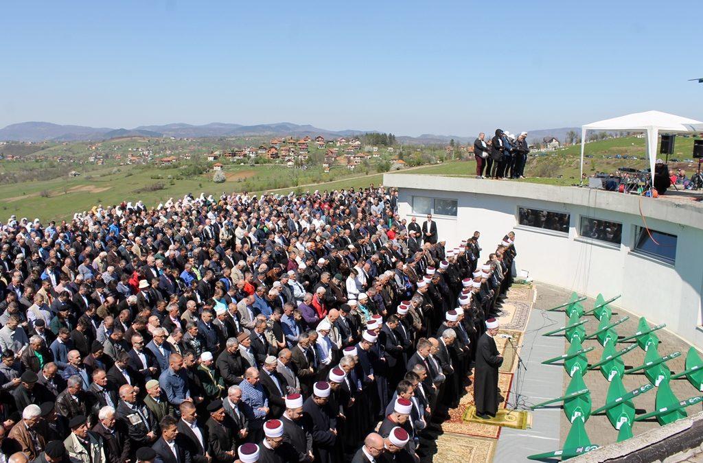 Šesnaesta kolektivna dženaza u Vlasenici