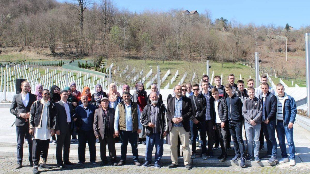 Mreža mladih Muftijstva tuzlanskog organizovala posjetu Srebrenici
