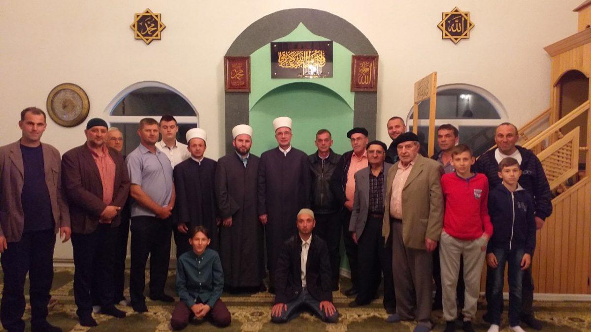 Muftija Fazlović posjetio tuzlanski džemat Avdibašići
