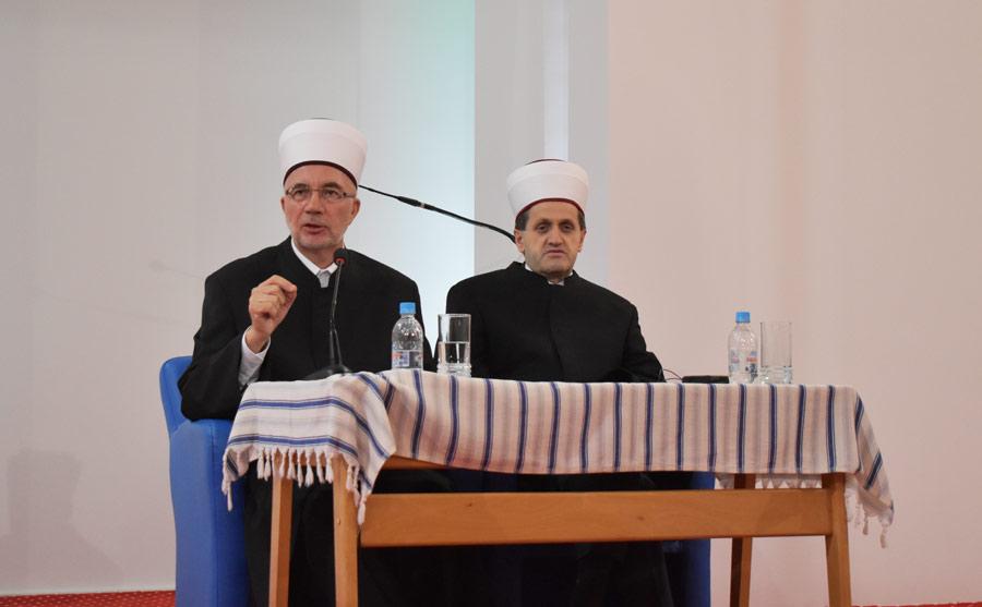 Muftija Fazlović govorio o suštinskim karakteristikama posta na tribini u Brčkom