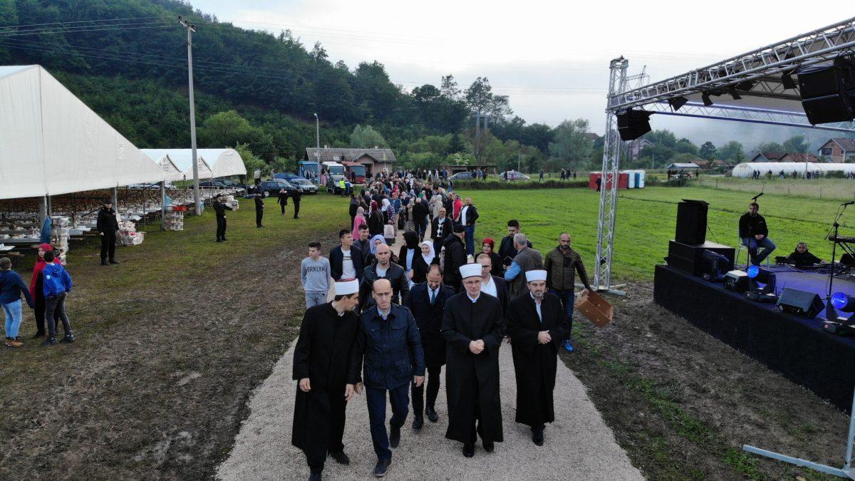 Bošnjaci na Drini: Veliki iftar u Konjević Polju