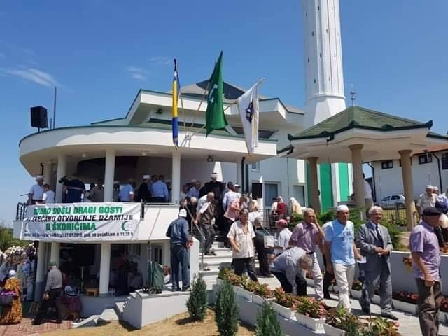 Gradačac: Svečano otvorena džamija u Škorićima