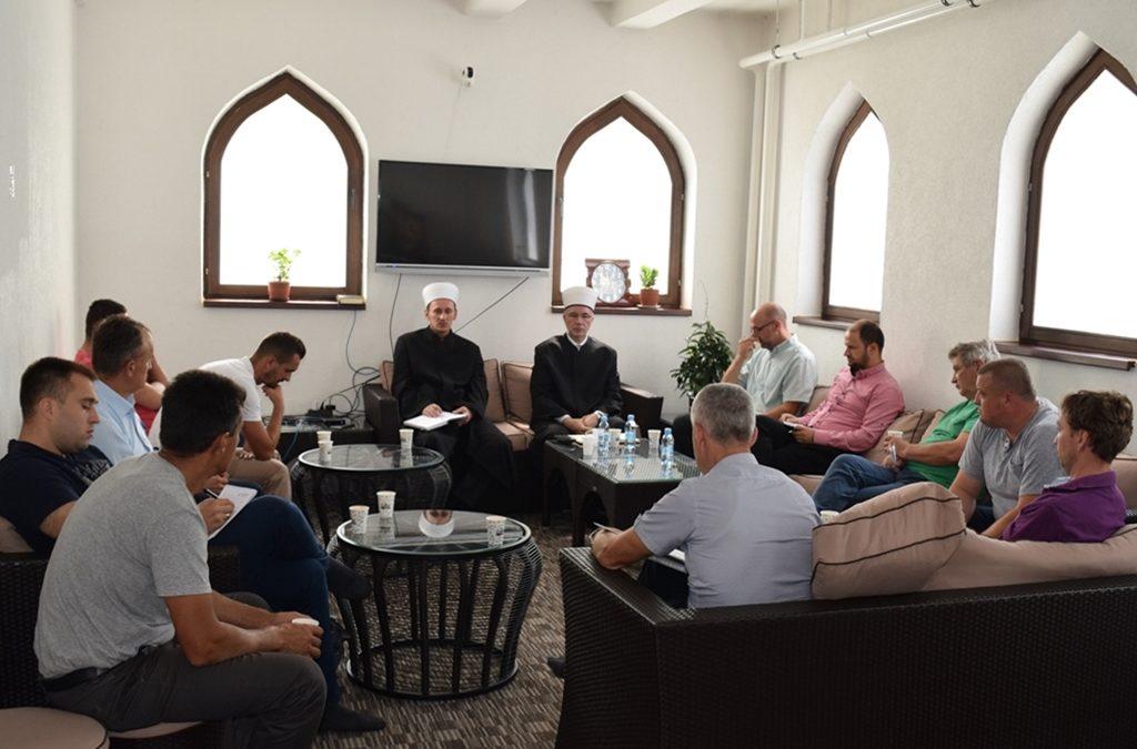 Na sastanku Muftije tuzlanskog s imamima i zvaničnicima Islamske zajednice Medžlisa Vlasenica iskazana puna podrška glavnom imamu Nurdinu-ef. Grahiću