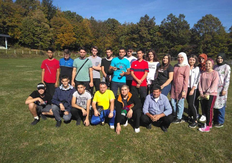 Članovi Mreže mladih Srebrenik na izletu