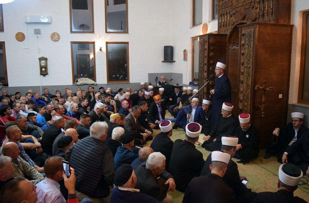Muftija Fazlović na mevludu u Gradačcu