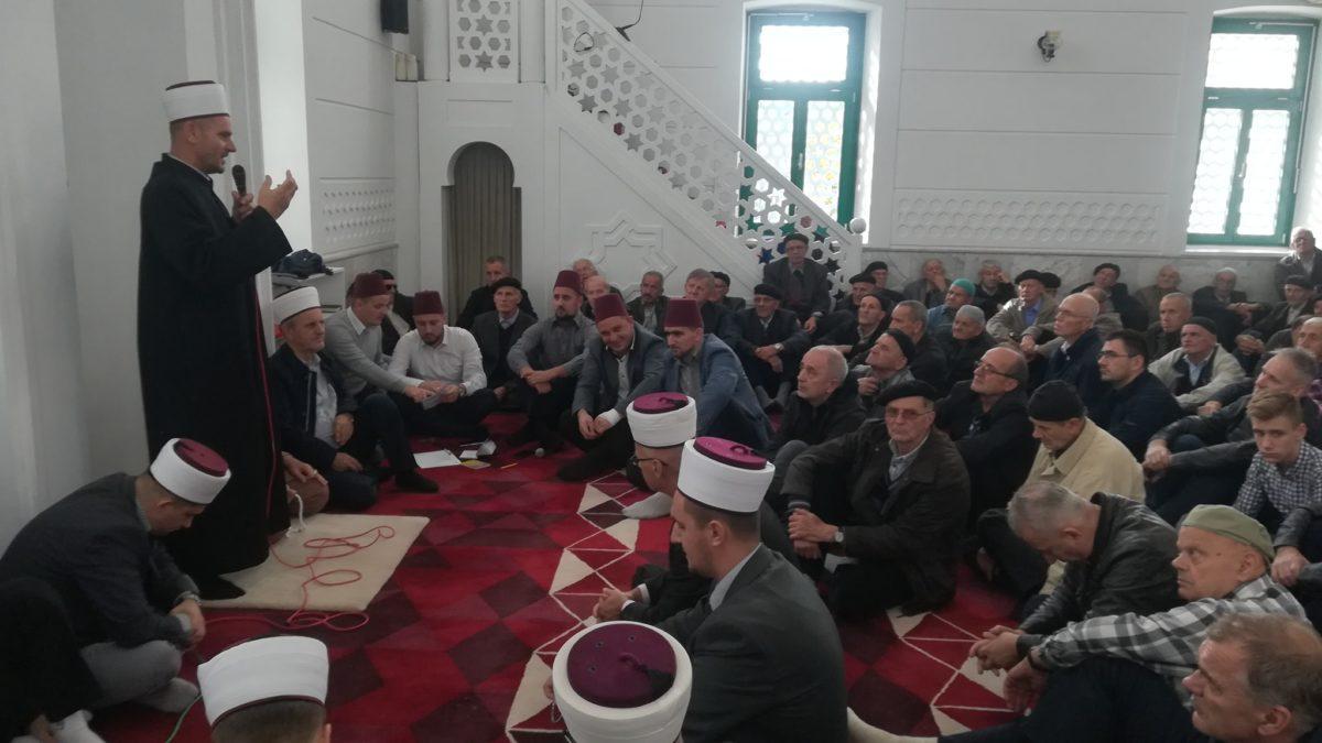Mevlud u Bijeloj džamiji u Gračanici