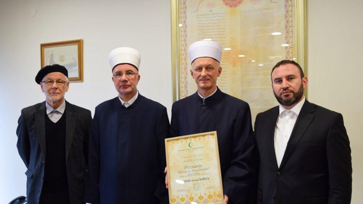 """Ibrahim-ef. Softiću uručeno priznanje i nagrada za muallimski rad """"Redžep-ef. Muminhodžić"""""""