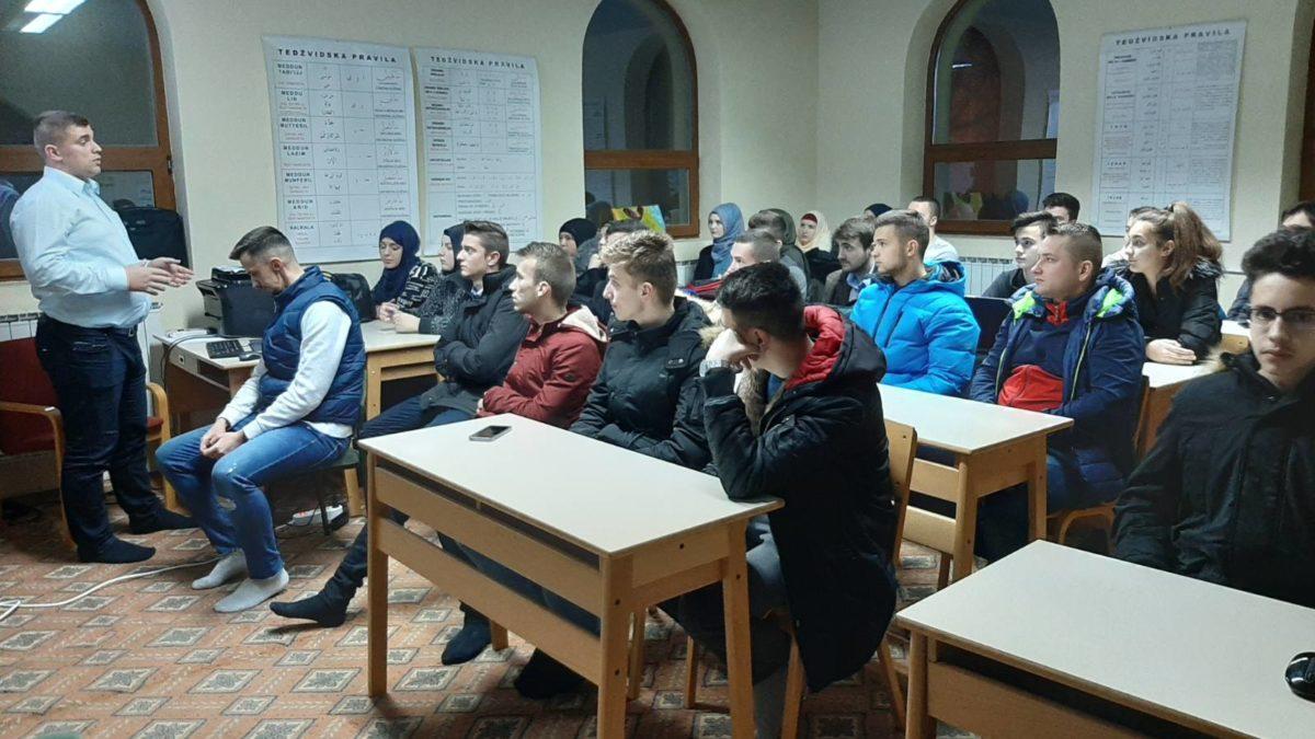 Besplatan kurs programiranja i web dizajna za mlade u Srebreniku