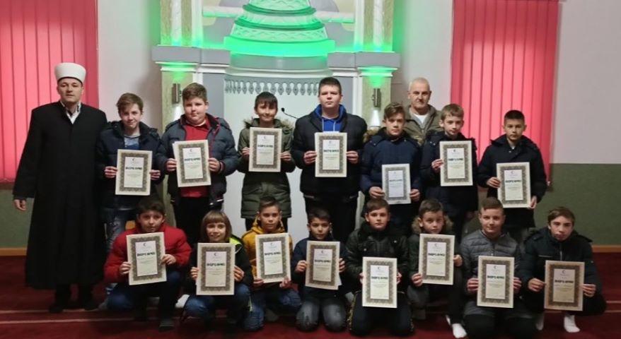 Sedamnaest mladih mujezina u džematu Zelinja Donja (MIZ Gradačac)