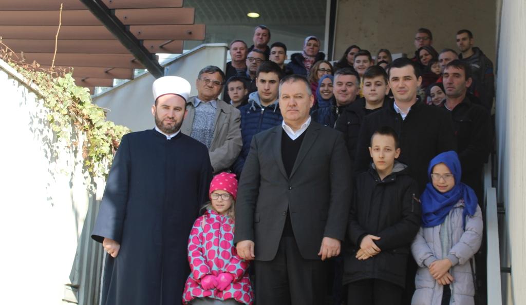 Medžlis Tuzla dodijelio 43 stipendije učenicima i studentima