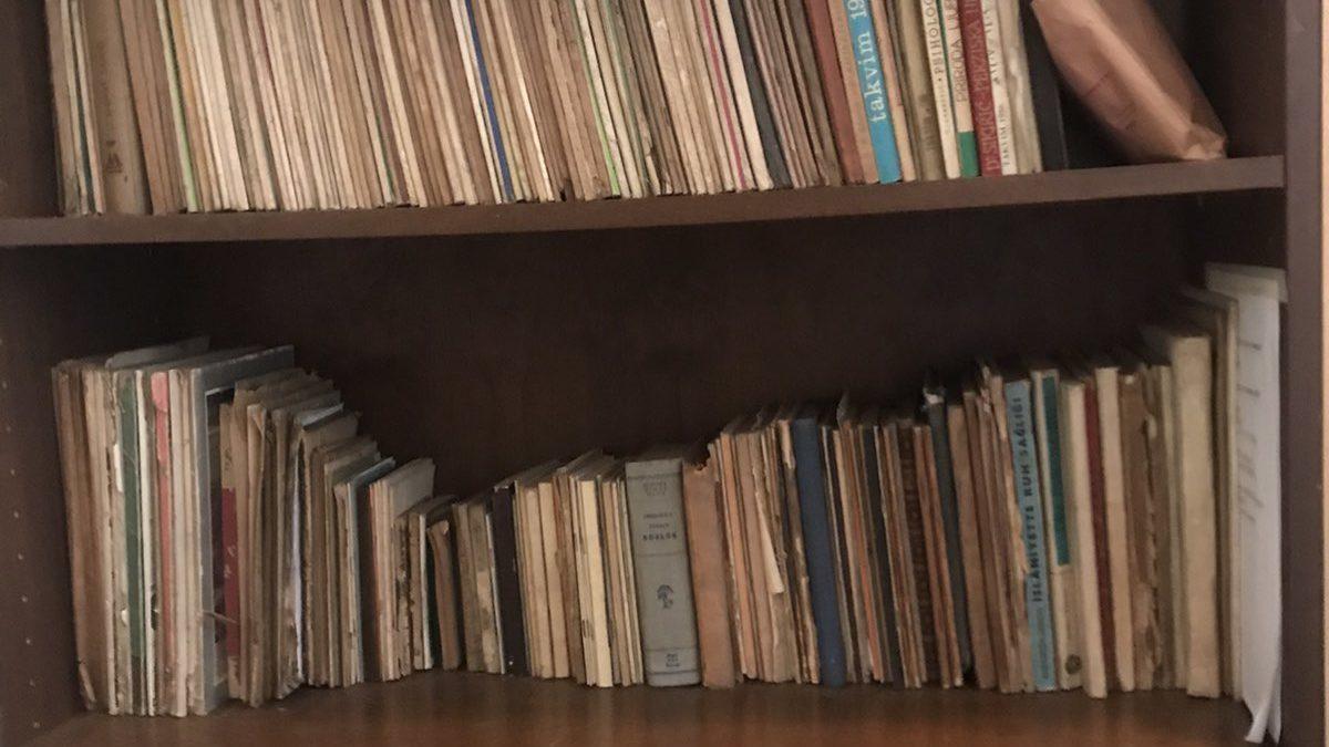 """U Biblioteci """"Behram-beg"""" knjige rahmetli Ševket-ef. Šabića"""