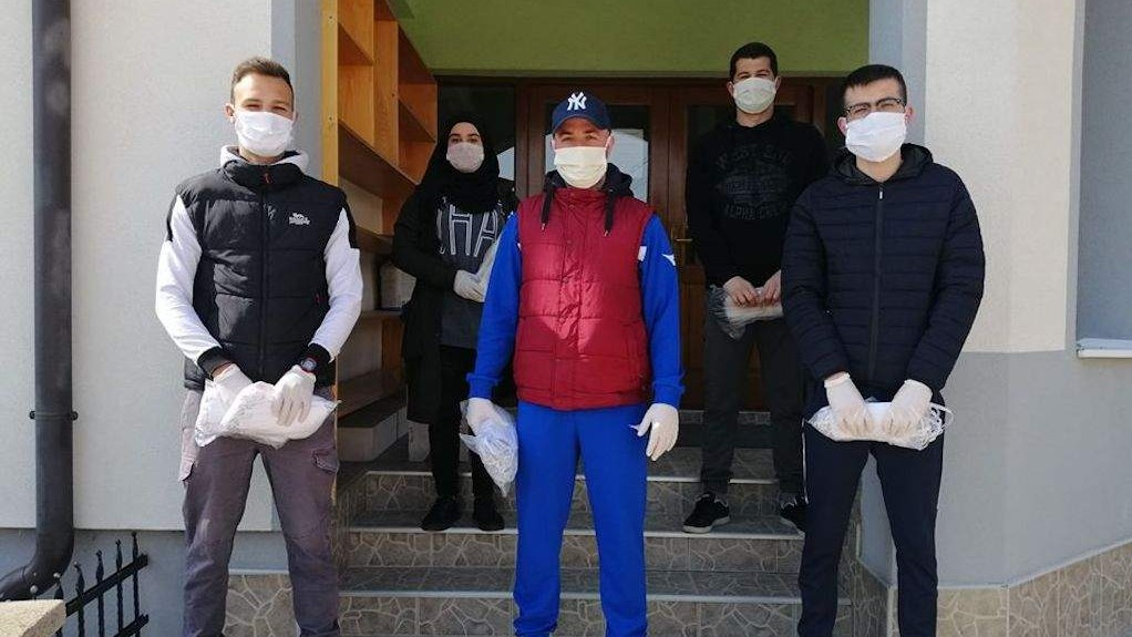 Gračanica: Džemat Golaći donirao maske za sve džematlije