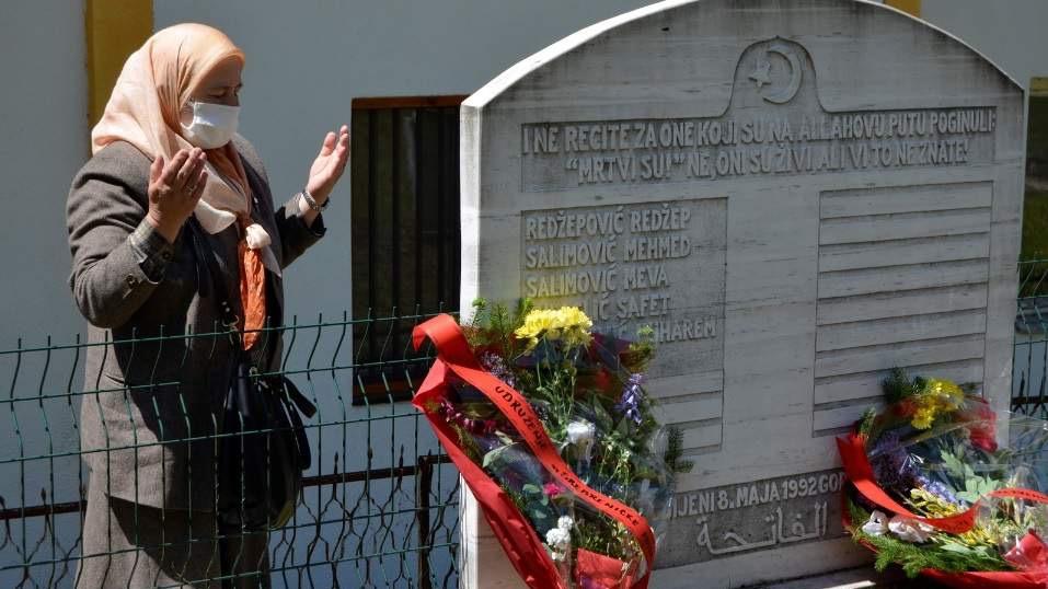 Obilježeno 28 godina od zločina nad bošnjačkim civilima u Srebrenici