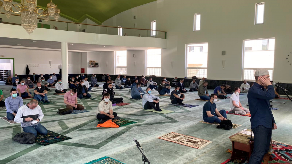 Džuma-namaz u tuzlanskim džamijama