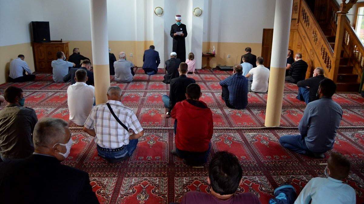 Srebrenica: Bez električne energije u džamijama klanjan bajram-namaz