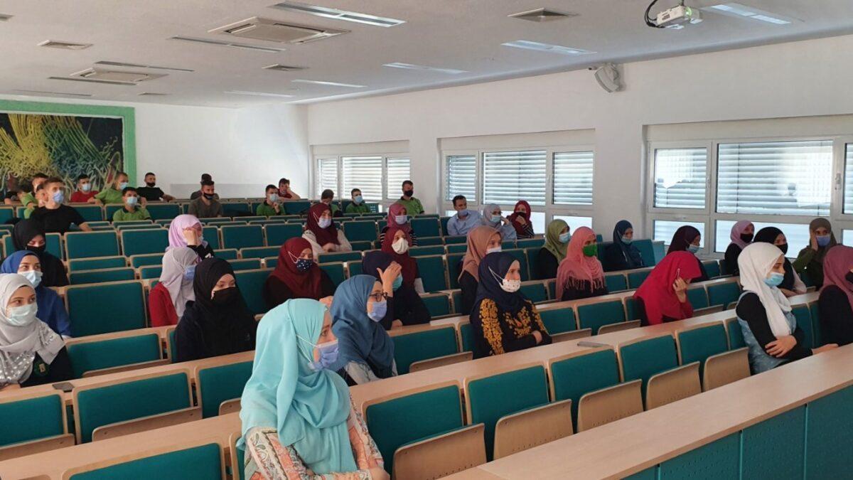 Edukacija učenika Behram-begove medrese o korona virusu