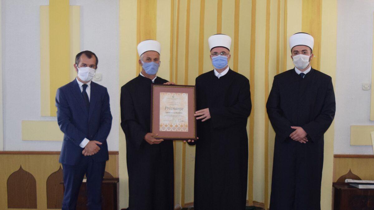 Priznanje Muftijstva tuzlanskog Salim-ef. Kanliću