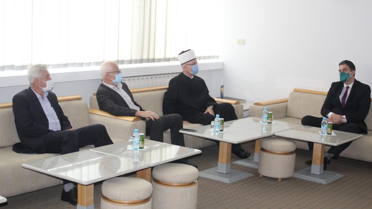 Povodom početka nove školske godine muftija Fazlović posjetio Behram-begovu medresu