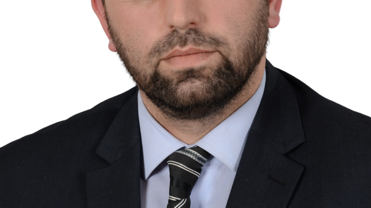 Dr. Mensur Husić