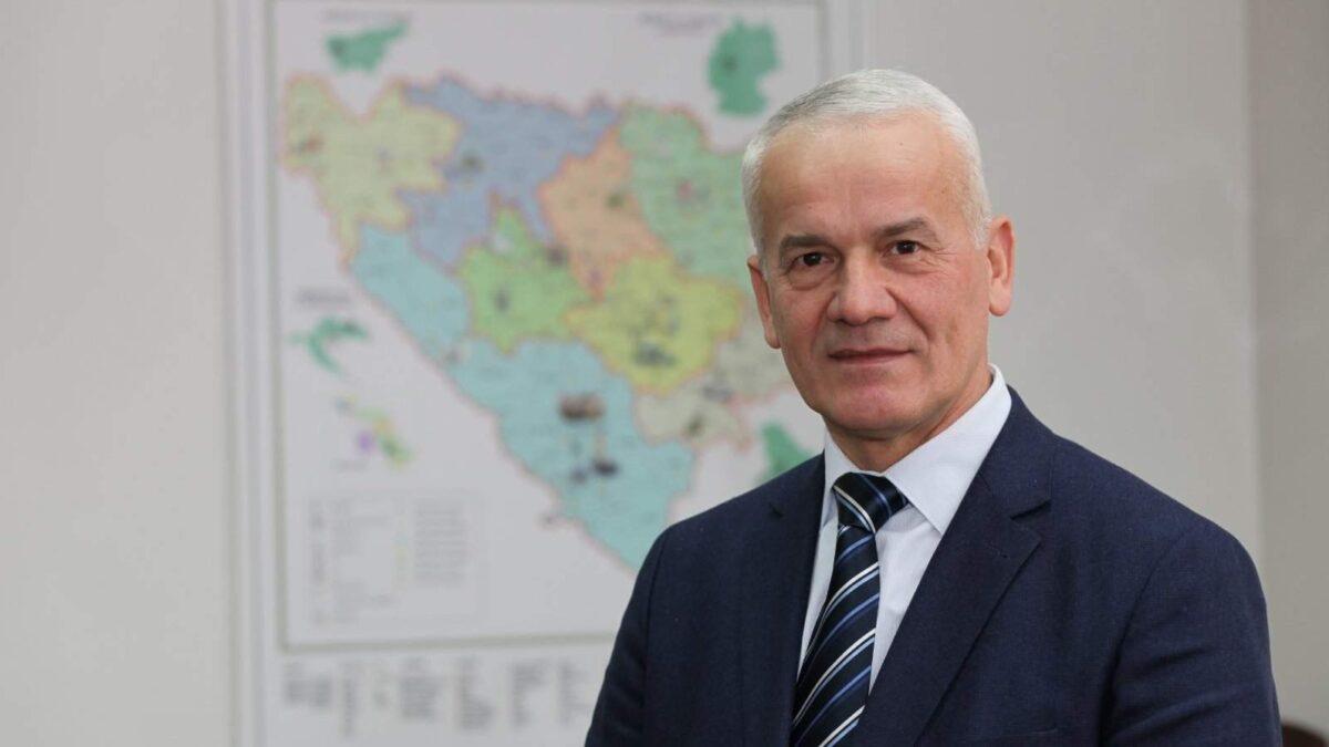 Ismail-ef. Smajlović: U noći Lejletur-regaiba učiti dove koje su potreba u ovome vremenu dinamičnog i zahtjevnog življenja