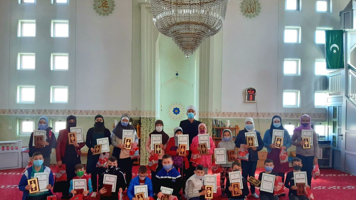 Polaznici mektebske pouke u Janji završili učenje sufare