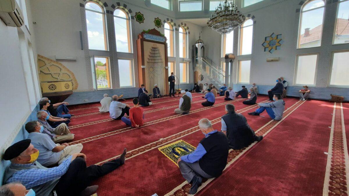 Predstavnici Uprave za vjerske poslove Rijaseta posjetili džemate u medžlisima Tuzla, Živinice i Kalesija