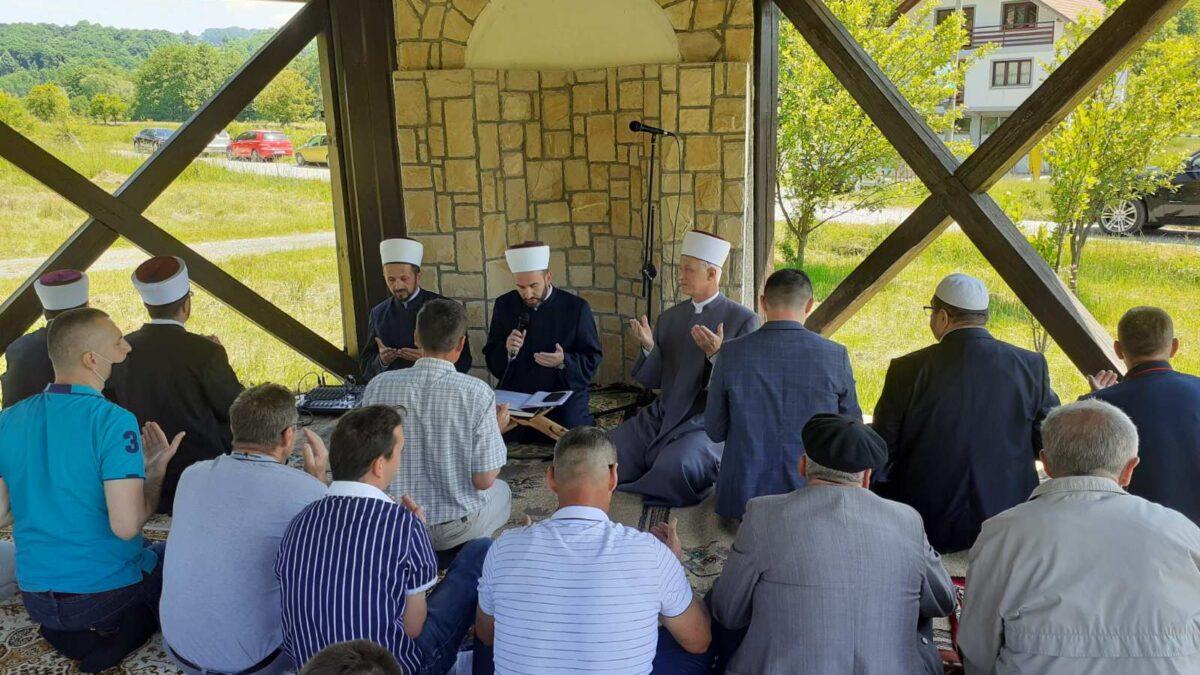 MIZ Tuzla: Džuma-namaz i dova na dovištu Taušan