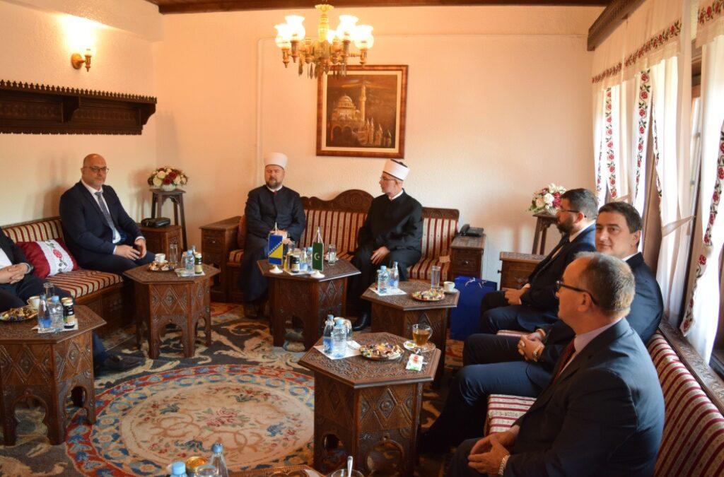 Muftija tuzlanski sa saradnicima posjetio Muftijstvo zeničko