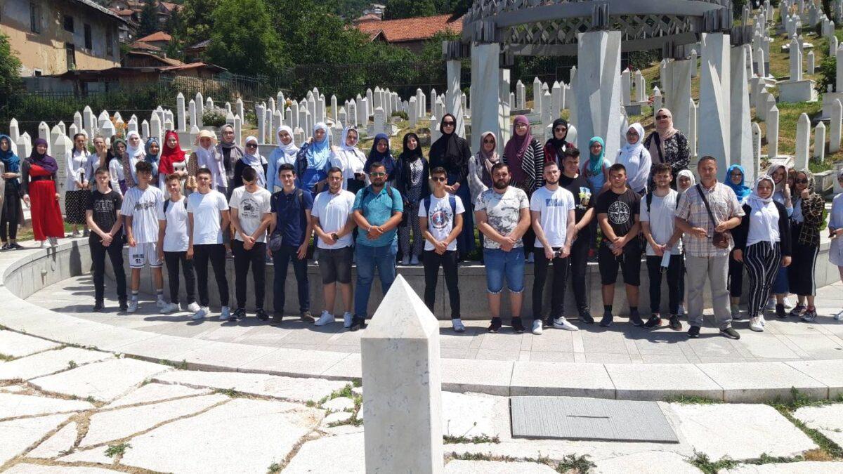 Polaznici Kursa islama iz Brčkog u jednodnevnoj posjeti Sarajevu