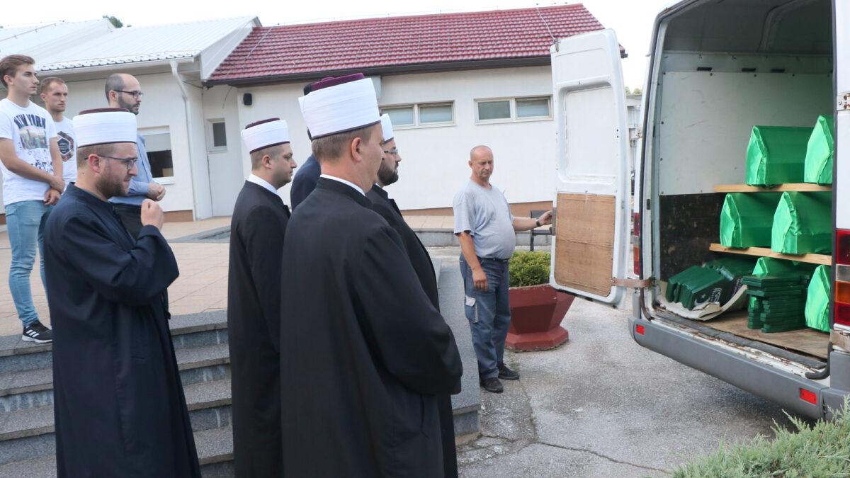Tuzla: Ispraćeni tabuti osamnaest brčanskih šehida