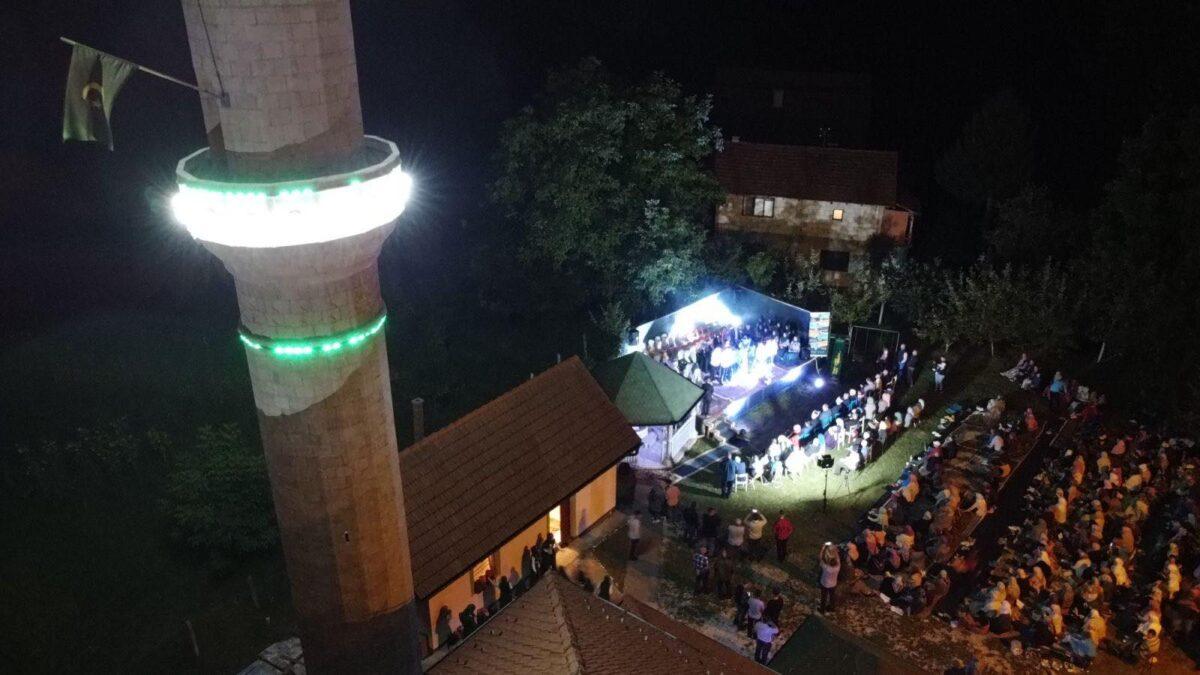Večer ilahija i kasida u Šehidskoj džamiji u Tuzli
