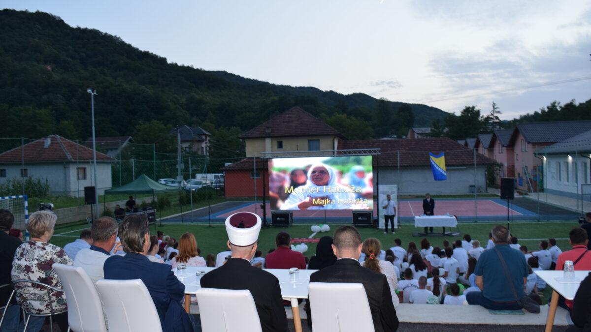 U Potočarima održana projekcija dokumentarnog filma o majci Hatidži Mehmedović