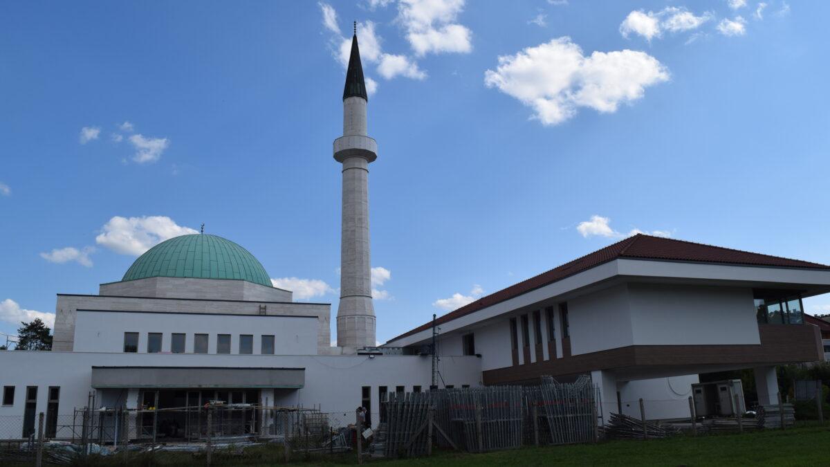 Napreduju radovi na završetku Islamskog centra i džamije u Lukavcu